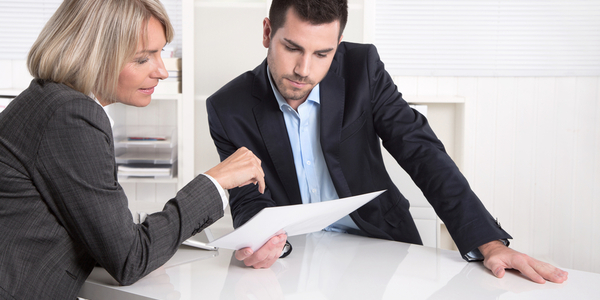 Contract Review Attorney: How Can They Help Your Business?