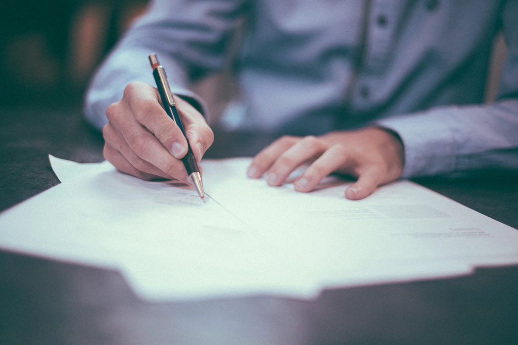 Independent Contractor Agreement: Everything You Must Know